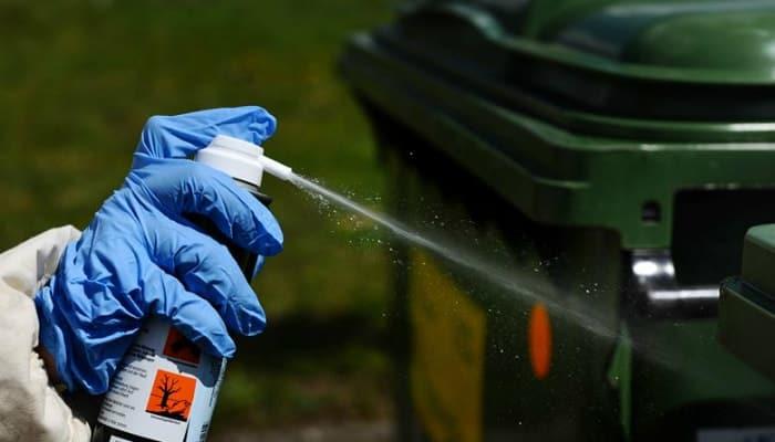 spray in the trashbox